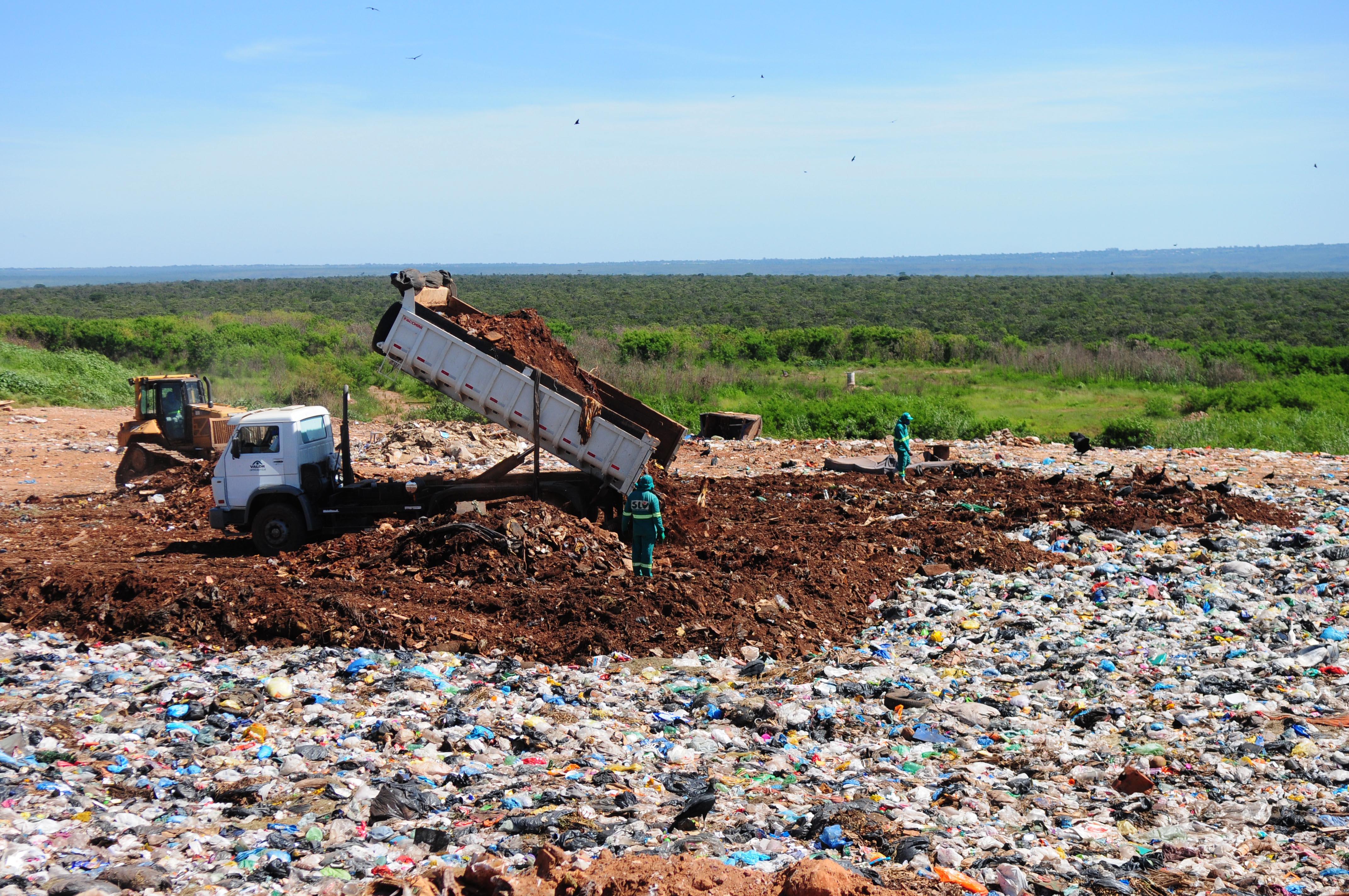 Lixão fechando em Brasília