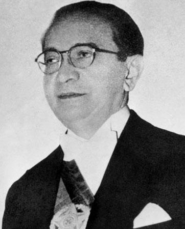 Com o suicídio de Vargas, em 1954, Café Filho assumiu a Presidência até novembro de 1955, quando foi afastado por motivos de saúde. Em seu lugar, assume o presidente da Câmara, Carlos Luz, que foi deposto por tentar impedir a posse do presidente eleito Juscelino Kubitschek.