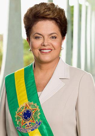 Primeira mulher a ocupar a Presidência na história do país, Dilma assumiu a chefia do Ministério de Minas e Energia durante o governo Lula e, posteriormente, a da Casa Civil. Tomou posse no dia 1º de janeiro de 2011.