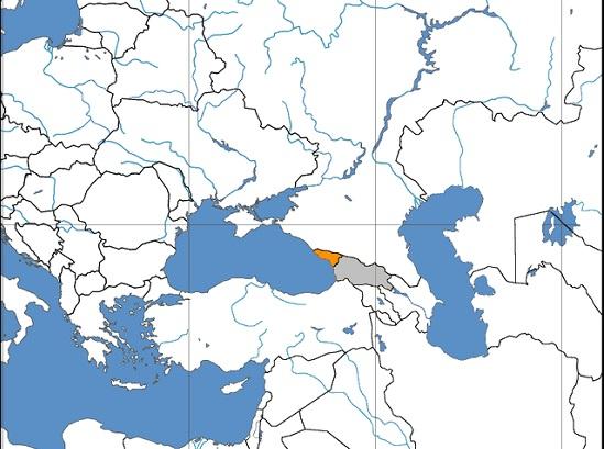 A Abecásia travou uma guerra contra as forças da Geórgia no começo da década de 1990. Apesar da derrota, desde então o país se considera independente. A Rússia é uma das únicas grandes forças a reconhecer a soberania da Abecásia - para a ONU, a região ainda é parte da Geórgia. (Foto: Wikimedia Commons)
