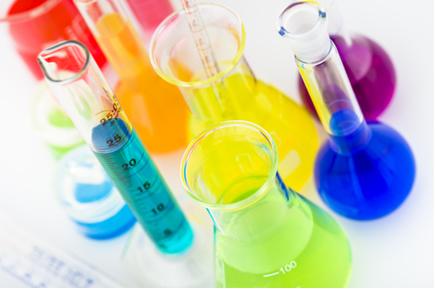 Conceito, classificação e propriedades dos ácidos e bases, sais e óxidos.