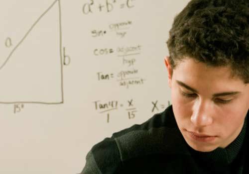aluno-lousa-matematica.jpg