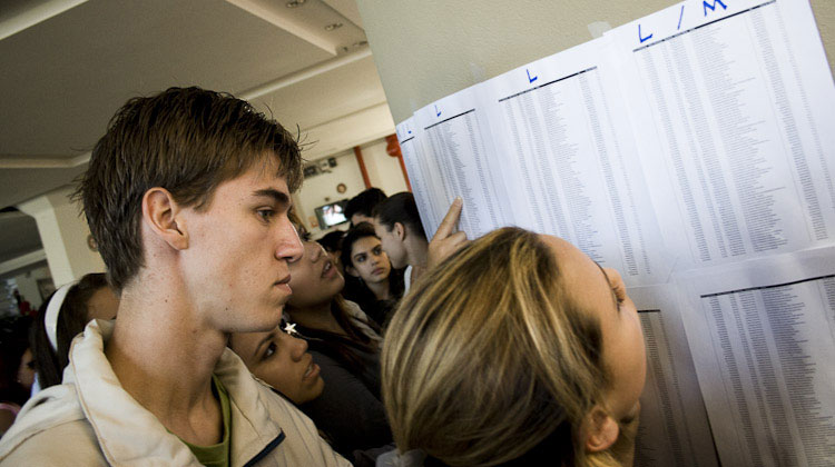 Candidatos conferem suas salas