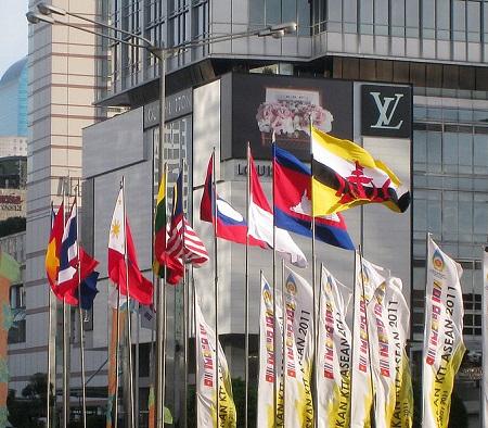Os países do Sudeste Asiático também têm o seu bloco econômico. É a ASEAN, que engloba 12 nações. Dentre os membros, destacam-se Indonésia, Tailândia, Malásia e Cingapura. Ao todo o bloco tem cerca de 600 milhões de habitantes. (Foto: Wikimedia Commons)