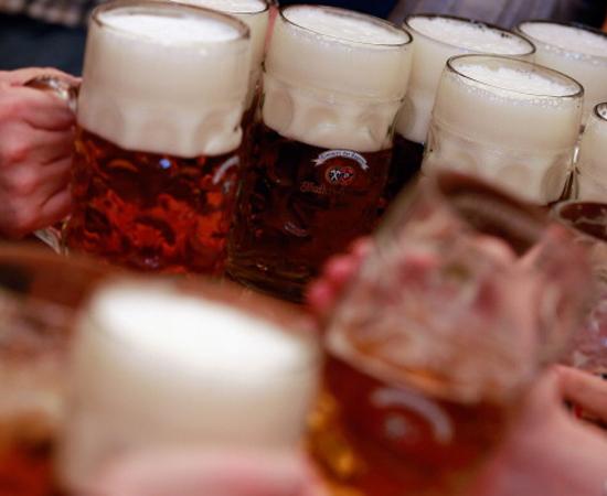 3 - Mesmo se você for maior de idade, fique longe das bebidas alcoólicas.