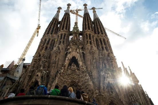 A instituição espanhola oferece bolsas para cursos rápidos e de pós-graduação (especialização, mestrado e doutorado). Há sempre processos abertos, então é bom dar uma olhadinha semanal no site. (Imagem: Getty Images)
