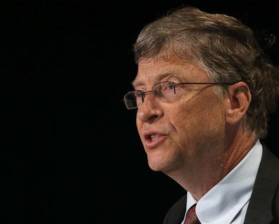 Bill Gates, dono da Microsoft, tem um grande talento para ganhar dinheiro - e isso fez com que ele se tornasse um dos homens mais odiados da informática. Quando faz negócios com ele, você se sente estuprado, disse Philippe Kahn, fundador da Fullpower Technologies. Gates conseguiu comprar o sistema operacional Q-DOS por 25 mil dólares, tirar o Q do nome e vendê-lo como DOS à IBM por 200 mil. O mais desprezível é a mentira de Bill, esse negócio de inovação. Isso me dá vontade de vomitar, disse Larry Ellison, dono da Oracle.