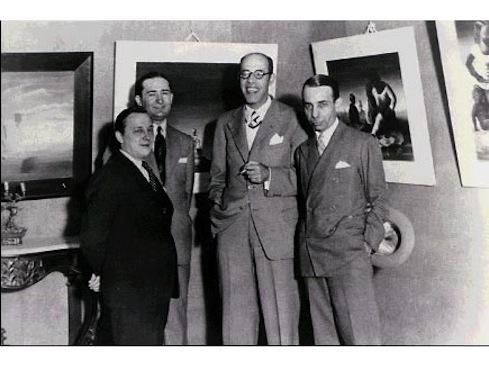 Um grande nome da pintura que fez parte do movimento modernista no Brasil foi Cândido Portinari. O artista plástico brasileiro alcançou fama mundial com suas obras. Na imagem, registrada na década de 1930, Portinari aparece ao lado de Mário de Andrade e Rodrigo Melo Franco.