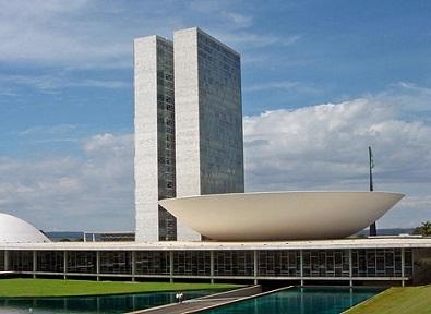 Foi no governo Costa e Silva que o regime militar publicou o AI-5, que na prática fechou o Congresso, caçou políticos e tornou a tortura uma prática comum.