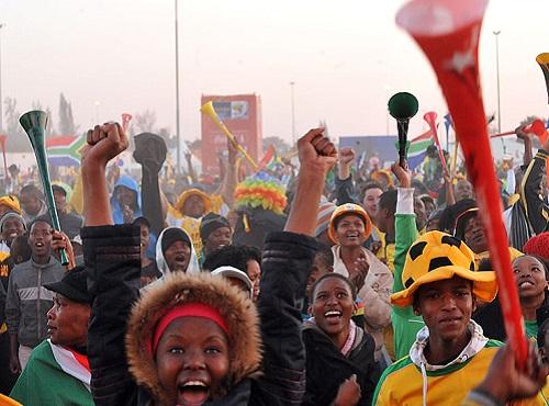 Em 2010, foi a vez da África receber uma copa pela primeira vez. O país que sediou o evento foi a África do Sul, a 25ª maior economia do globo. O país ocupa a posição 121 no ranking do IDH, o índice de desenvolvimento humano. (Foto: Wikimedia Commons)