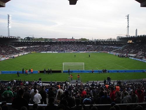 A Copa de 1998 foi na França, que recebeu o evento pela segunda vez - a primeira foi em 1938. Na final, os franceses venceram o Brasil. (Foto: Wikimedia Commons)