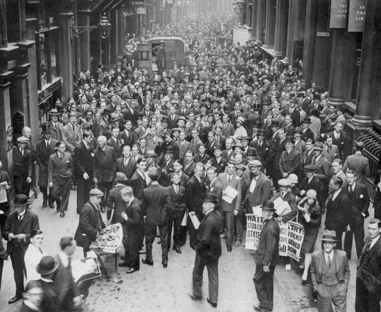 CRISE DE 29 E A GRANDE DEPRESSÃO - Estude sobre a quebra da Bolsa de Nova York e o New Deal.