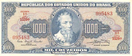 Começou a circular no dia 1º de novembro de 1942; como forma de cortar alguns zeros da moeda anterior: 1 cruzeiro era equivalente a mil réis (Rs 1$000 = Cr$ 1). Foi a moeda oficial até os anos 1960. Em 1964,  os centavos deixaram de circular e em 1967, a moeda foi substituída.