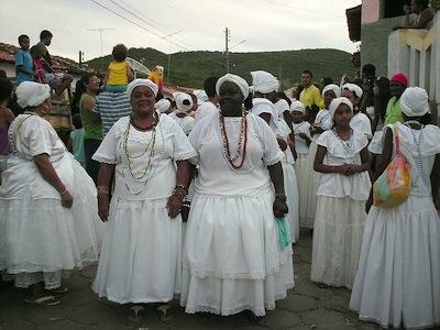 Estude as culturas negra e indígena no Brasil, políticas afirmativas, as situações das minorias e a inserção do negro após a abolição da escravidão.