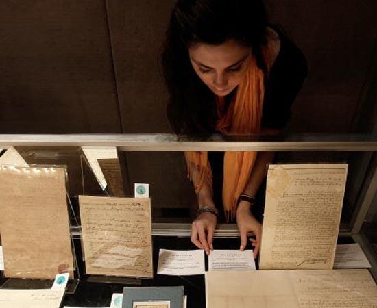 ARQUIVOLOGIA - É a aplicação de técnicas e métodos específicos voltados à organização, à conservação e ao restauração de arquivos.