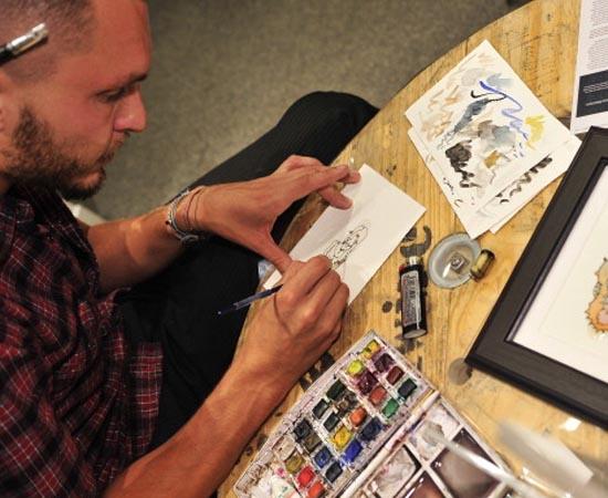 DESENHO INDUSTRIAL - São as técnicas usadas na criação e no desenvolvimento de projetos gráficos e de comunicação visual e na concepção artística de peças e objetos.