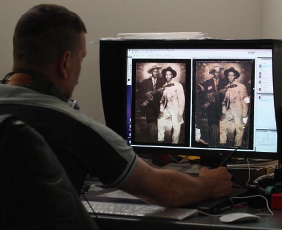 DESIGN GRÁFICO - É a criação de projetos gráficos para publicações, anúncios e vinhetas de TV e internet.