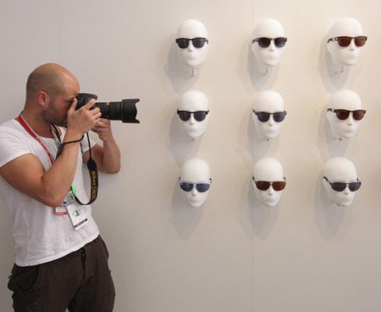 FOTOGRAFIA - É a captação de imagens com o uso de câmeras, sua gravação e reprodução em papel e meios digitais.