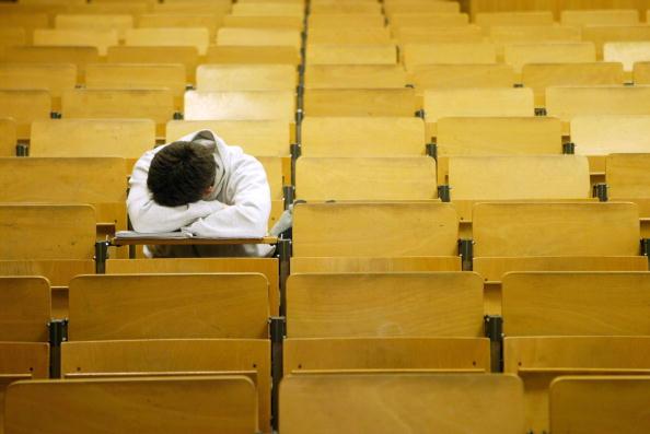 dormir-sala-aula.jpg