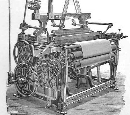 Criado pelo britânico Edmund Cartwright, o tear mecânico iniciou a revolução do carvão e do ferro. Foi nessa época que as indústrias passaram a empregar milhares de pessoas. (Foto: Wikimedia Commons)