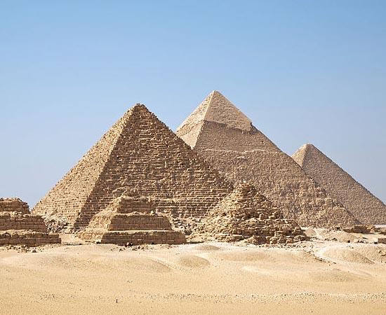 EGITO - Estude sobre o período pré-dinástico, o período dinástico e o legado dos povos egípcios.