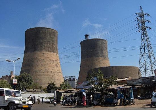 Fontes de energia: petróleo, gás natural, carvão, biocombustíveis, energia nuclear e lixo atômico.