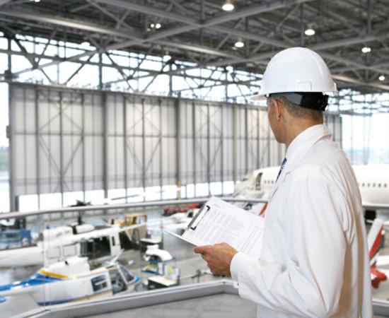 Engenharia Aeronáutica - Área que se ocupa do projeto e da manutenção de aeronaves e do gerenciamento de atividades aeroespaciais.