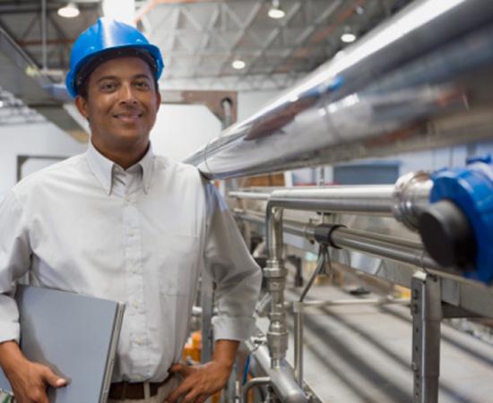 Engenharia Industrial - É a área que cuida dos recursos necessários à produção industrial. Esse profissional é o típico engenheiro de chão de fábrica, que acompanha de perto a implantação e a manutenção da infra-estrutura industrial, como redes de água e de gás, pontes e esteiras rolantes