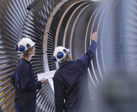 Engenharia Mecatrônica - É o ramo da engenharia que desenvolve e executa projetos de automação industrial. O engenheiro mecatrônico projeta e opera equipamentos utilizados nos processos automatizados de indústrias em geral, além de fazer sua manutenção.