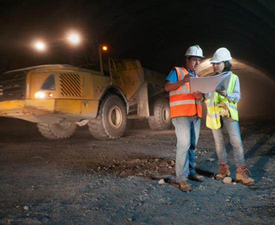 Engenharia de Minas - Esse é o ramo da engenharia que se ocupa da pesquisa, da prospecção, da extração e do aproveitamento de recursos minerais.
