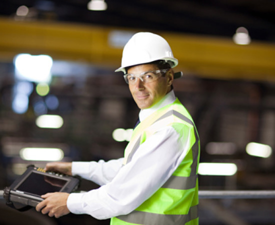 Engenharia de Produção - É o ramo da engenharia que gerencia os recursos humanos, financeiros e materiais para aumentar a produtividade de uma empresa. O engenheiro de produção é peça fundamental em indústrias e empresas de quase todos os setores