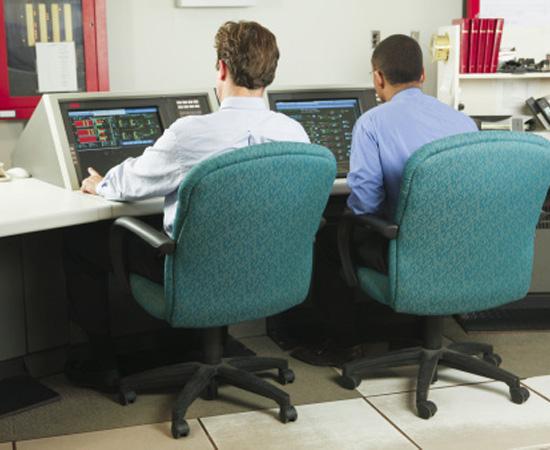 Engenharia de Telecomunicações - É o segmento da engenharia que se ocupa do projeto, da operação e da manutenção de equipamentos e sistemas de telecomunicações.