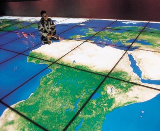 ESCALAS CARTOGRÁFICAS - Estude sobre escalas maiores e menores, escalas numéricas e gráficas e projeções cartográficas.