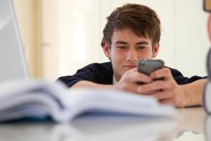 escola_celular.jpg