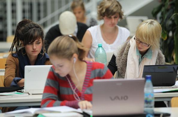 estudantes-computadores.jpg