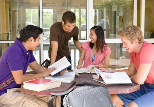 estudantes-estudando1.jpg