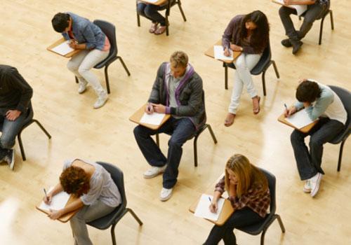 estudantes-exame-2.jpg