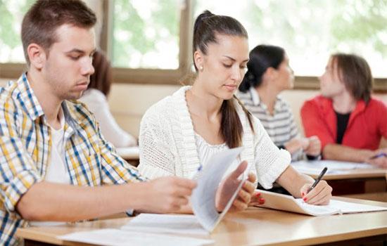 estudantes-prova-sala-aula.jpg