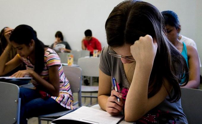 estudantes-prova-vestibular.jpg