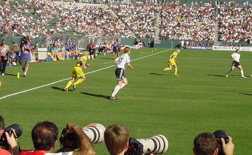 Se você ama fotografia, que tal se especializar em esporte? É preciso muito talento e habilidade para conseguir as melhores fotos de partidas de futebol e eventos como a Copa. (Foto: Creative Commons)