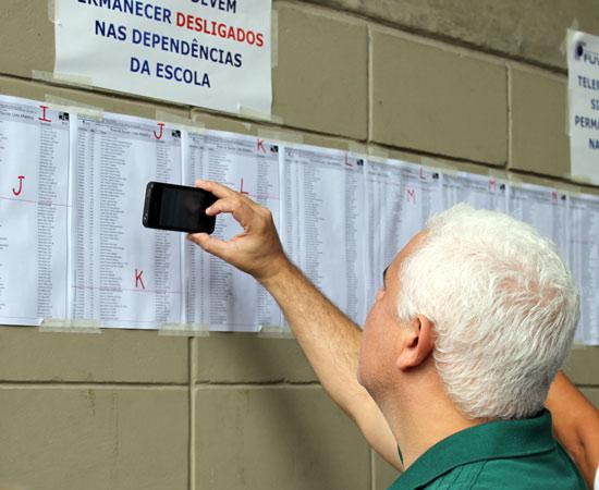 A Fundação Universitária para o Vestibular (Fuvest) realizou a primeira fase do seu processo seletivo neste domingo (25). A prova, que seleciona candidatos para a Universidade de São Paulo (USP, com 10.982 vagas) e a Faculdade de Ciências Médicas da Santa Casa de São Paulo (com 100 vagas), teve 90 questões de múltipla escolha.