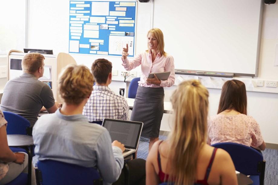 <strong>Aproveite as oportunidades.</strong>Um aluno EaD deve ter as mesmas oportunidades que um aluno de curso presencial em atividades extracurriculares, como pesquisa e extensão. Não deixe chances como essas passarem.
