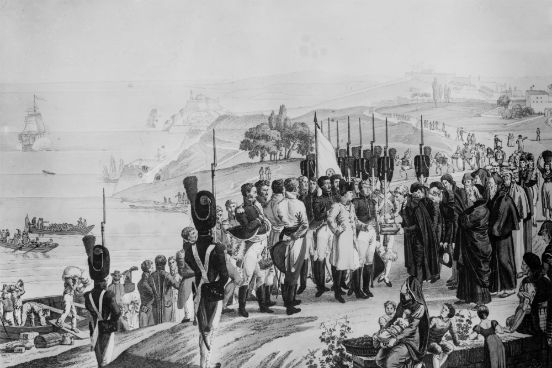 O enfraquecimento do poder francês era evidente, o que facilitou a invasão da França pelos povos dominados por Napoleão. Em 1814, o imperador foi preso e exilado na ilha de Elba, na costa da Itália. A imagem representa a chegada de Napoleão à ilha. (Imagem: Hulton Archive/Getty Images)