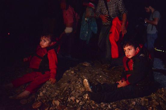 Para tentar administrar essa crise, a Comissão Europeia aprovou, na primeira quinzena de agosto, uma ajuda financeira de 473 milhões de euros para a Grécia. A Itália, outro país procurado pelos imigrantes que fazem a rota do Mediterrâneo, também receberá ajuda. (Imagem: Getty Images)