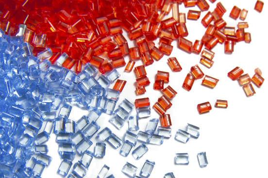 Há também os polímeros termorrígidos, que apresental alta dureza e resistência. Eles são estáveis às variações de temperatura e não são recicláveis. (Imagem: Thinkstock)