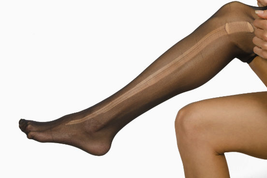 Os polímeros fazem parte do nosso dia a dia. O nylon, que é um dos constituintes da meia-calça, por exemplo, é uma fibra sintética polimérica. Também são polímeros sintéticos o poliéster e o dacron. (Imagem: Thinkstock)