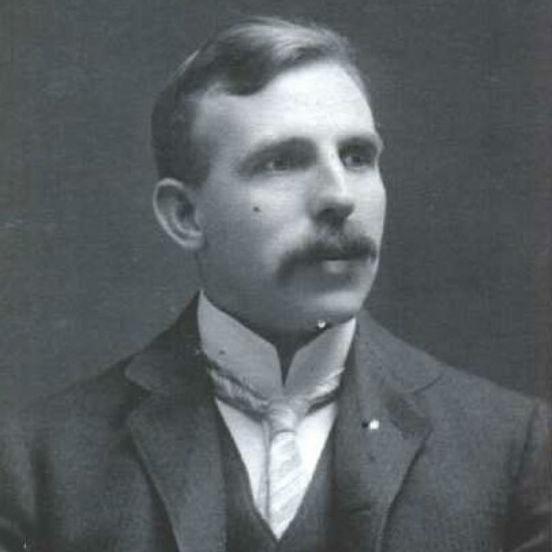 Décadas depois, cientistas como Ernest Rutherford (foto) identificaram a presença de dois tipos diferentes de radiação, que foram chamados de raios alfa e beta. Em 1900, foi comprovada a existência de um terceiro tipo de radiação: os raios gama, de natureza eletromagnética. (Imagem: Wikimedia Commons)