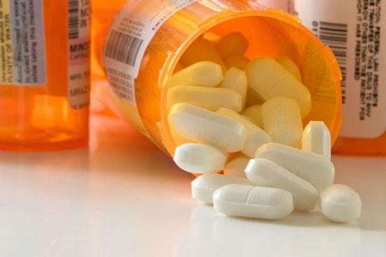 O tratamento é feito apenas com analgésicos e antialérgicos para aliviar os sintomas. (Imagem: Thinkstock)