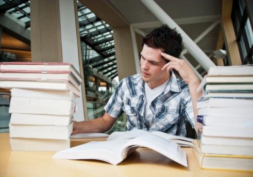 garoto-estudo-livros.jpg