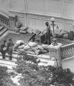 Na madrugada do dia 31 de março de 1964, o general Olimpio Mourão Filho comandou as tropas do exército que marcharam de Juiz de Fora para o Rio de Janeiro, onde se encontrava o presidente João Goulart.